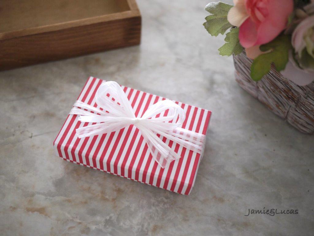 箱の簡単なラッピング方法|ジェイミールーカス